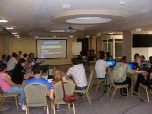 """CURSUL """"Formare Formatori"""" – FPC-FORMATOR / ID30462 parteneri: Autoritatea Naţională pentru Calificări – ANC, Centrul de Pregătire in Informatica Bucureşti – CPI şi TekhniKi Ekpedeftiki, Grecia – 20.08 – 30.08.2012 BUZAU HOTEL PIETROASA GlobeSys Computers 10 300x225"""