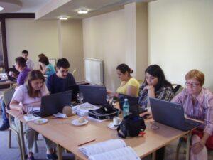 """CURSUL """"Formare Formatori"""" – FPC-FORMATOR / ID30462 parteneri: Autoritatea Naţională pentru Calificări – ANC, Centrul de Pregătire in Informatica Bucureşti – CPI şi TekhniKi Ekpedeftiki, Grecia – 20.08 – 30.08.2012 BUZAU HOTEL PIETROASA GlobeSys Computers 14 300x225"""