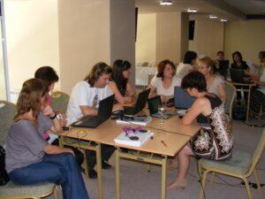 """CURSUL """"Formare Formatori"""" – FPC-FORMATOR / ID30462 parteneri: Autoritatea Naţională pentru Calificări – ANC, Centrul de Pregătire in Informatica Bucureşti – CPI şi TekhniKi Ekpedeftiki, Grecia – 20.08 – 30.08.2012 BUZAU HOTEL PIETROASA GlobeSys Computers 8 300x225"""