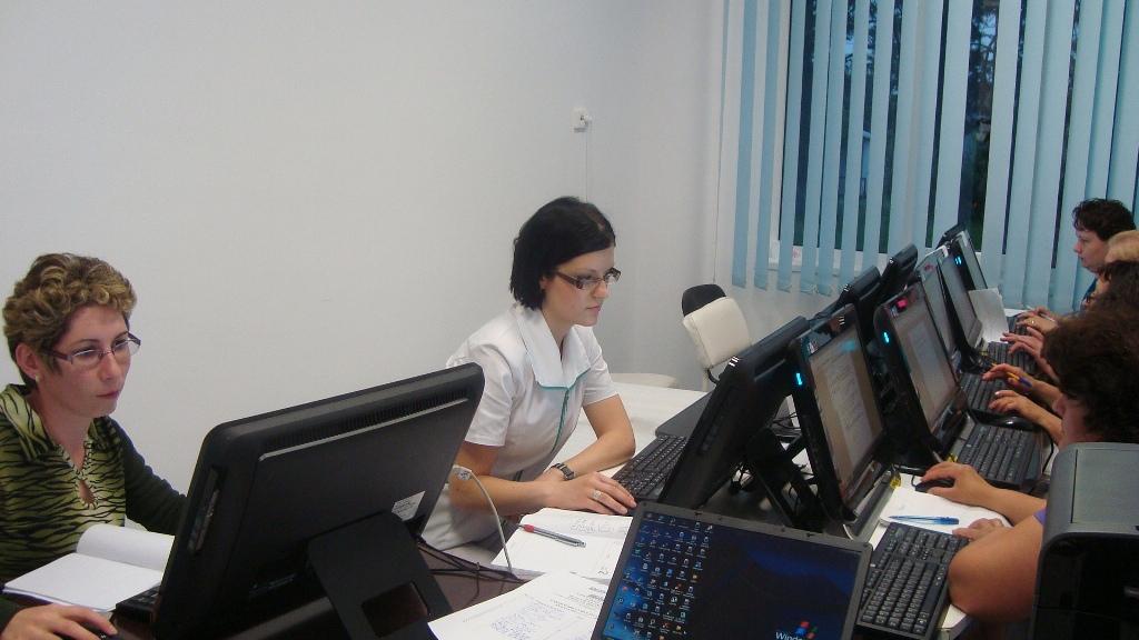 """CURSUL """"Operator introducere, prelucrare şi validare date"""" – 21.05 – 02.06.2012 CURSUL Operator introducere prelucrare si validare date 21"""