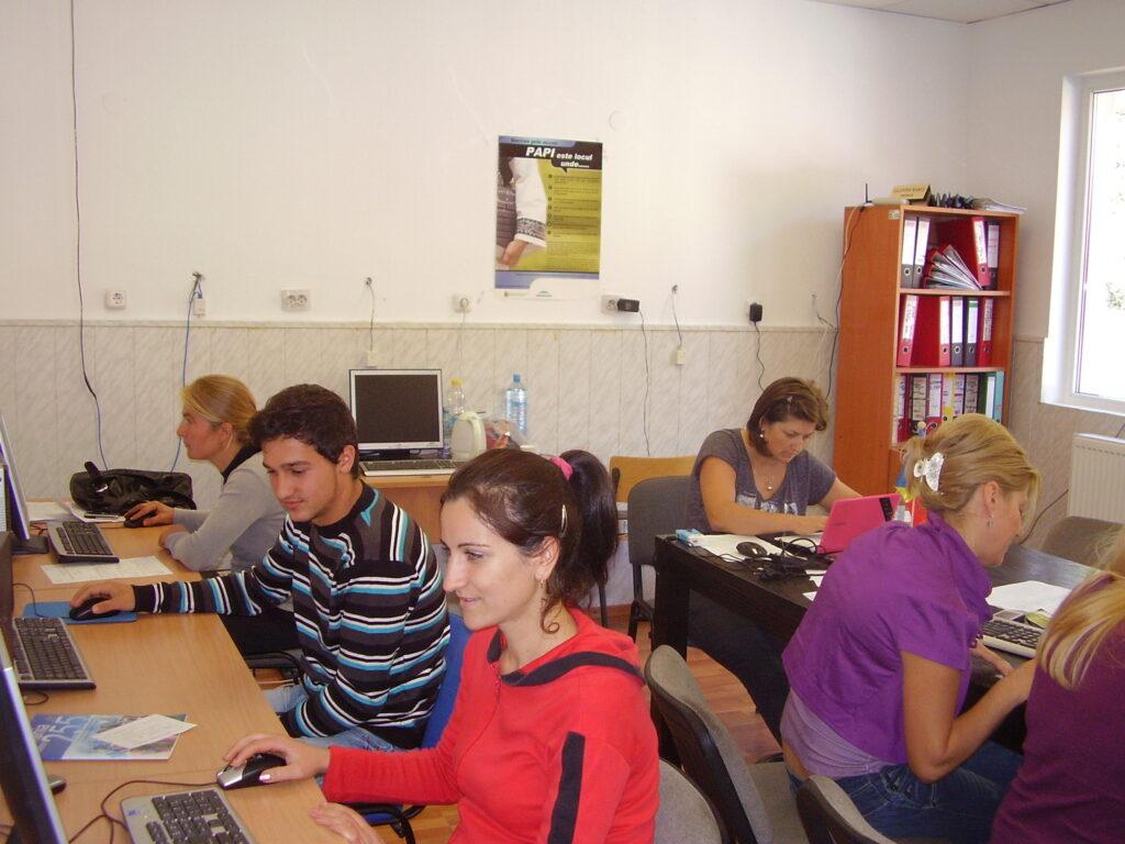 "2012 – PROIECTUL: ""ANTREPRENOR RURAL EUROPEAN"" PA050002 1024x768"