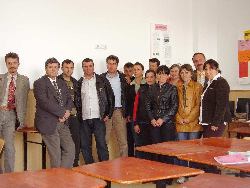 """Proiectul: """"Economia bazata pe cunoastere"""" 2009 chiojedeni grup"""